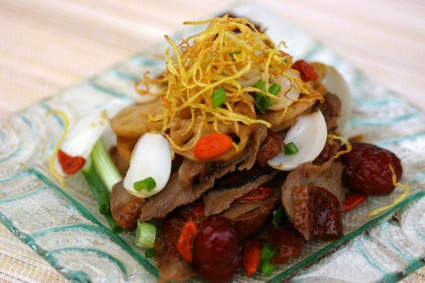 Stir-fried Roast Duck Meat with Tong Kwai