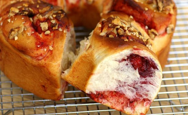 Strawberry-flavoured Rolls