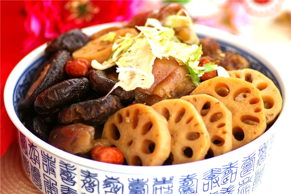 Braised Prosperity Trotter Pot