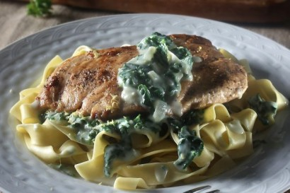 Chicken Breast With Pappardelle And Creamy Spinach Sauce