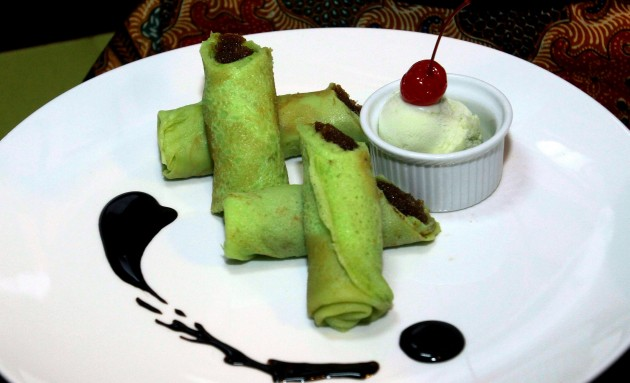 Choose Kuih Ketayap with Pandan Ice Cream for dessert.