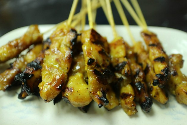 The chicken satay is tasty.