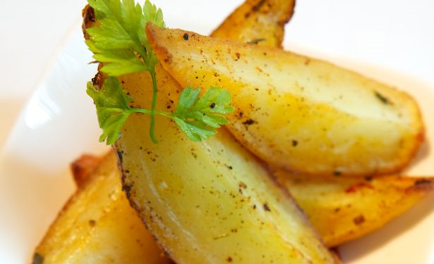 Fingerling_potatoes_roast