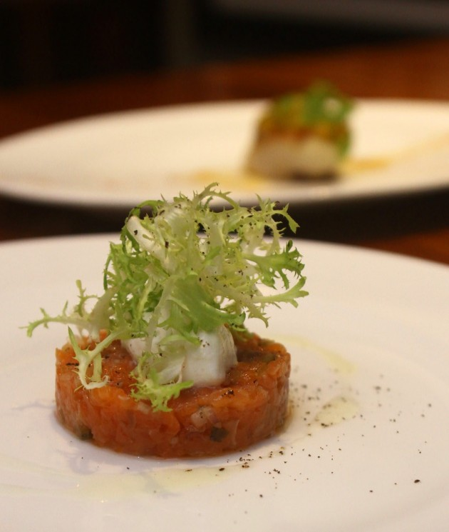 The Scottish Smoked Salmon Tartare, Shallot, Creme Fraiche and Frisee Salad is a well-known appetiser.