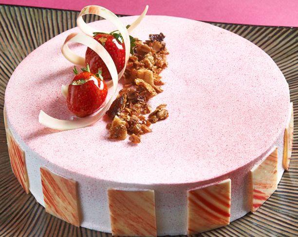 Yogurt Berries Mousse Cake.