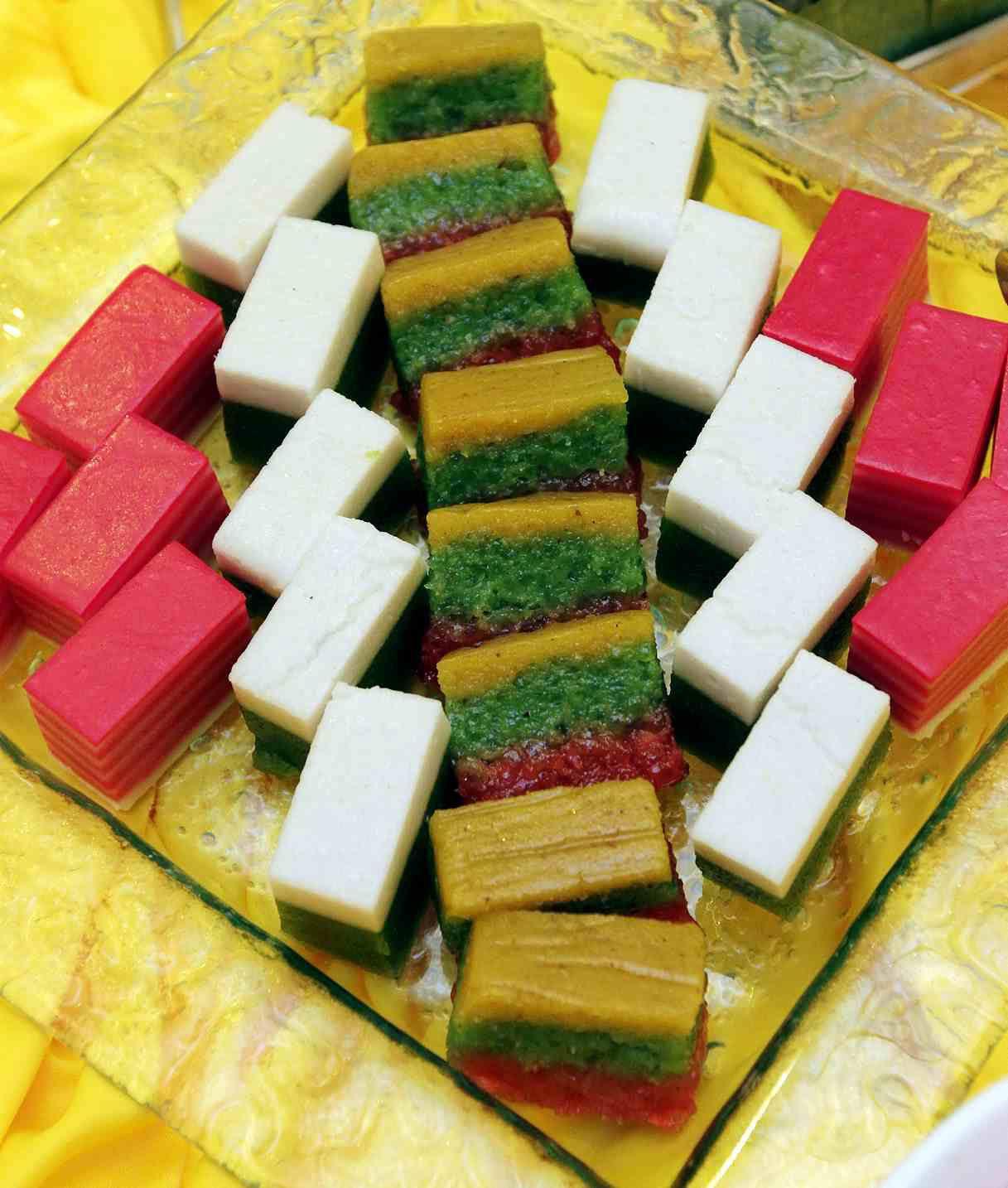 kuih malay traditional assorted ramadan curvz homemade food kuali