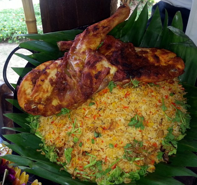 Diners can enjoy the Nasi Beriyani Ayam and other popular dishes.