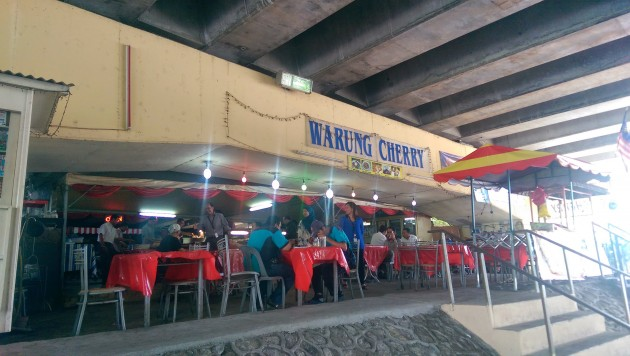 Warung Cherry is located underneath a flyover that is part of the Penchala Link.