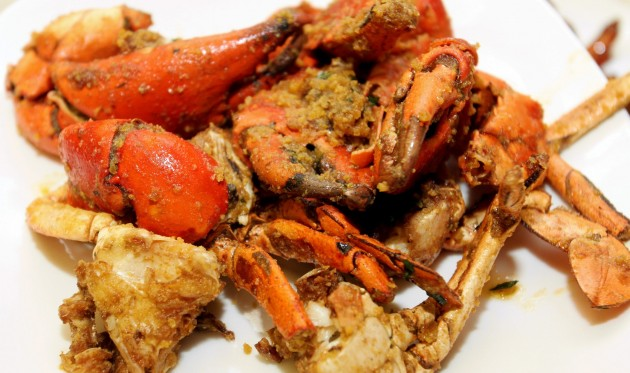 Wok-fried Meat Crab with Salted Egg.