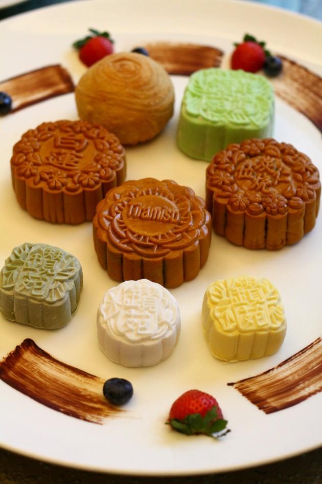Some of  Zuan Yuan's mooncake varieties.