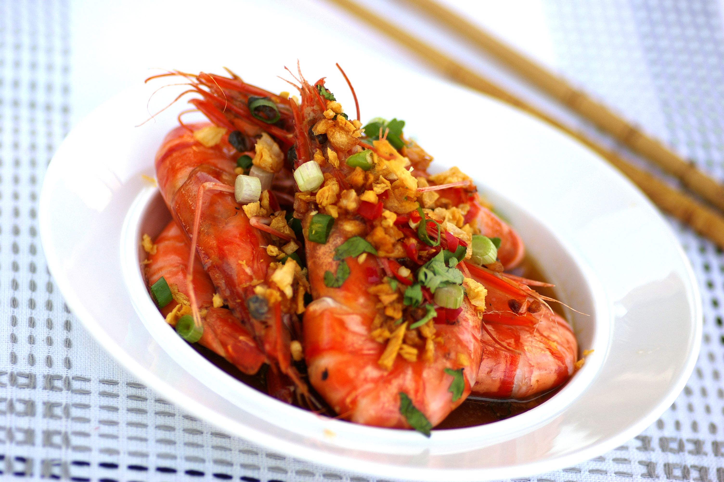 Fragrant Steamed Garlic Prawns