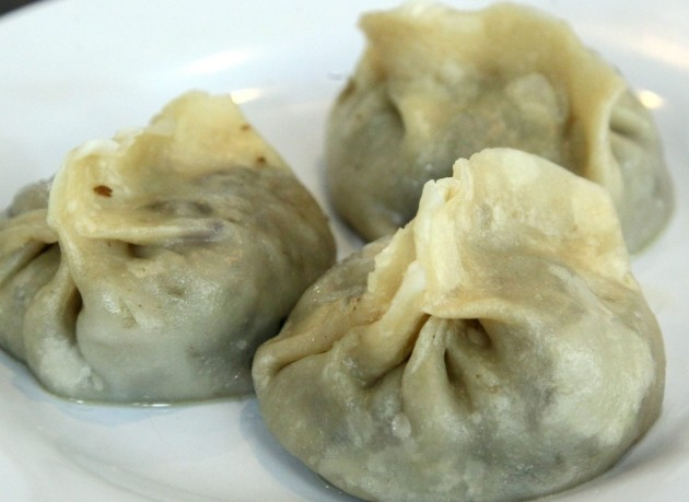 The Xinjiang Steamed Bun resembles traditional Chinese dumplings (gaozi) but are filled with mutton and onions instead of pork and chicken.