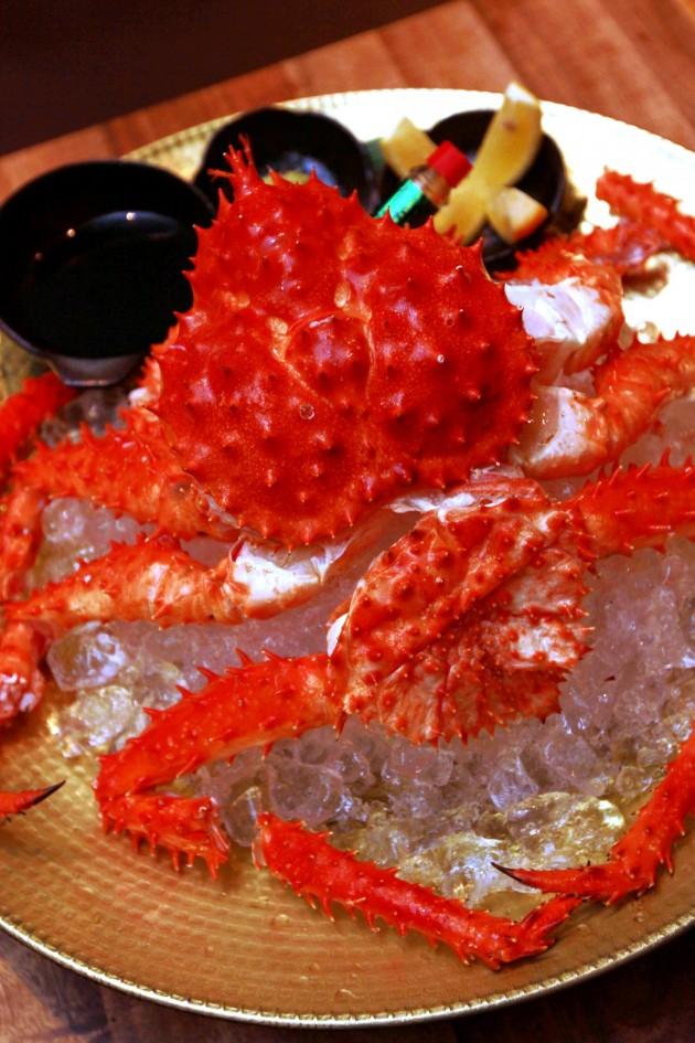 Alaska King Crab served on ice.