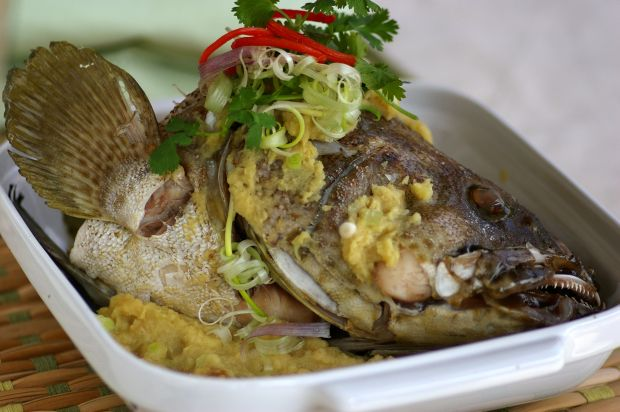 Steamed fish head with ginger paste