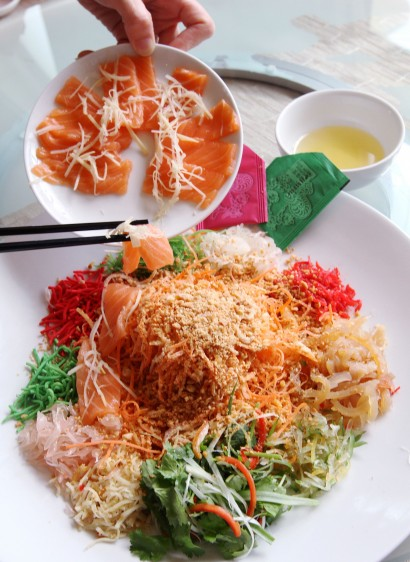 Must-have dish: Abalone and Norwegian Salmon Yee Sang.