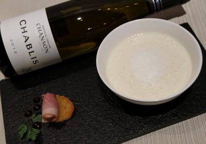 Comfort food Fine Celeriac Cappuccino with Chanson Chablis AOC 2013, Burgundy