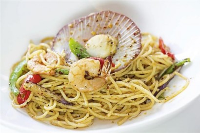 One of the must-try dish is the seafood aglio olio.