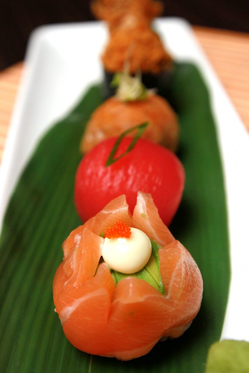 Perfect for sharing, the Temari Sushi has five different sushi which is shaped in a ball filled with otak-otak, chicken floss, tuna, sweet beancurd skin and salmon with avocado.