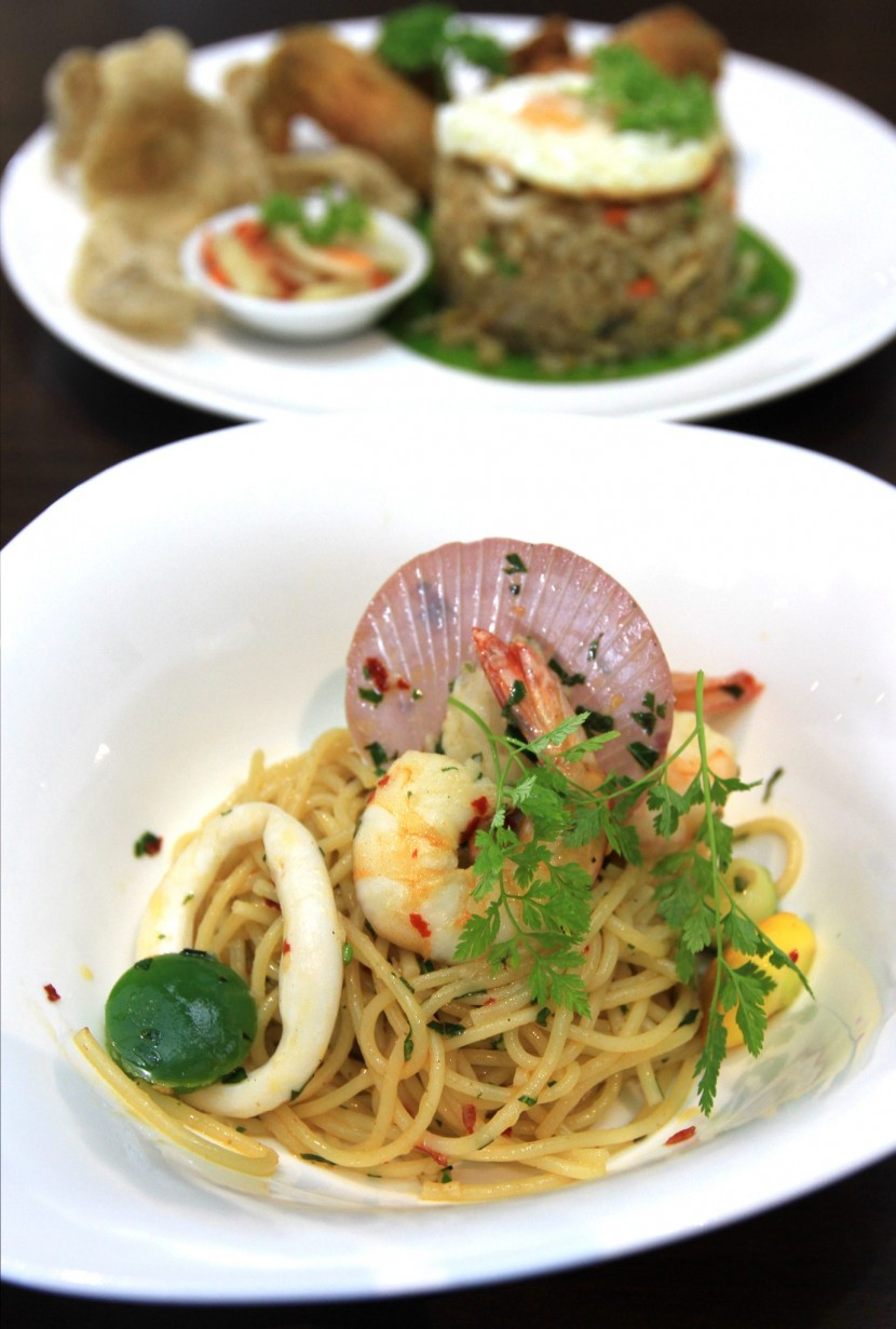 Simple yet tasty: The Spaghetti Aglio Olio with Seafood.