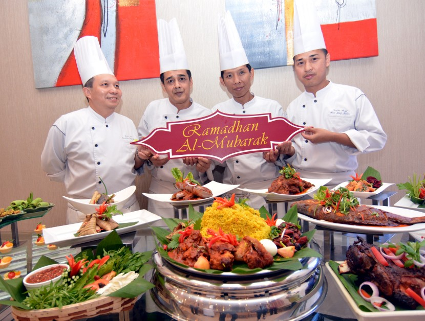 Seasons Coffee House - Rama(From left) Executive sous chef Jason Lim, Mohamad Fauzi, pastry chef Mohd Khairi Mohd Najib and assistant chief baker Mohd Fazlee Ariff make up the team behind the promotion.