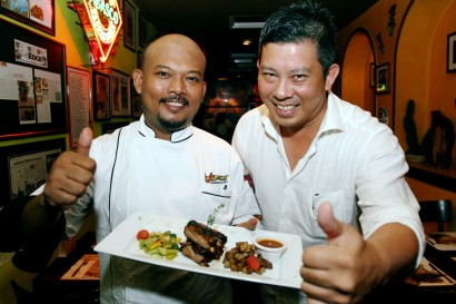 Las Carretas junior sous chef Rafa'at Md Yusof and Restaurateur Victor Siow recommend you try their latest Lamb Denver Ribs, which will be on promotion till the end of the month.