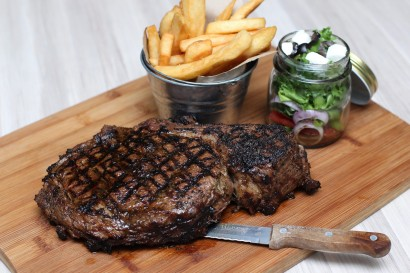 The Op Rib Steak is the restaurant specialty and can be shared with four diners.