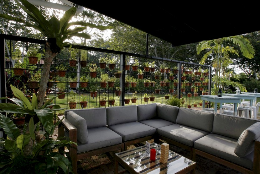 The Verte in Port Dickson offers a casual atmosphere in which to dine and lounge in.