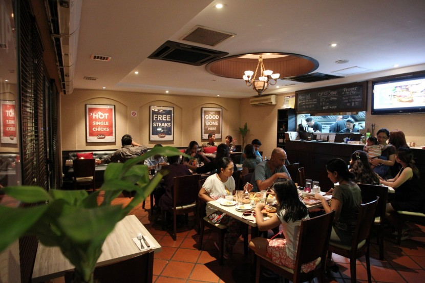 The newly furbished Castell GastroBar gives diners a comfortable setting for meals.