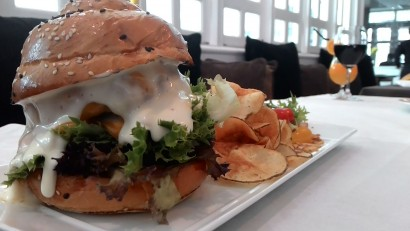 Signature Episode beed burger, made from Andus beef striploin served with hand-cut fried chips.