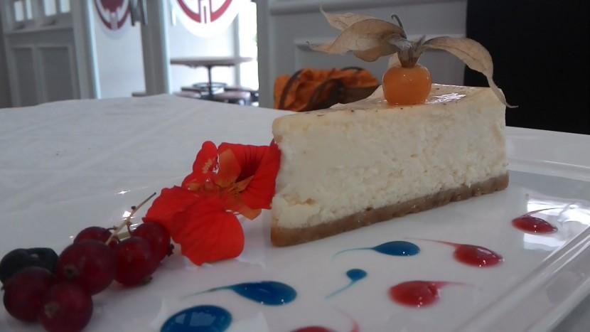 The Episode signature cheesecake.