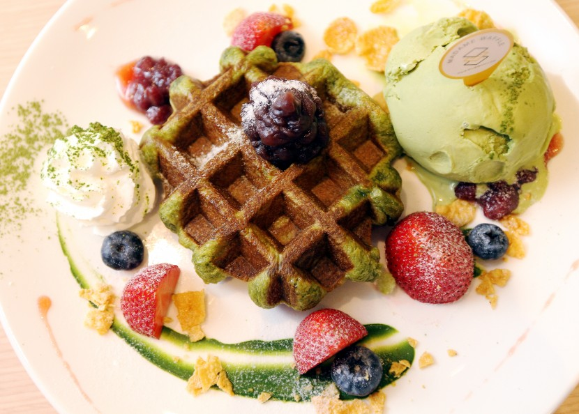 A green tea fan will approve of Madame Signature, which is green-tea flavoured waffle, topped with red bean paste, and served with green tea gelato and accompanied with matcha latte.