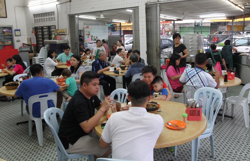 The eatery in Klang is often packed with customers wanting to have claypot chicken rice for dinner.