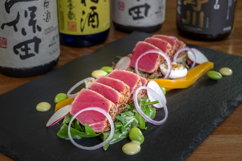 The refreshing tuna tataki salad.