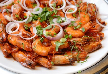 Delightful Udang Tiga Rasa is sweet, spicy and tangy all in one.
