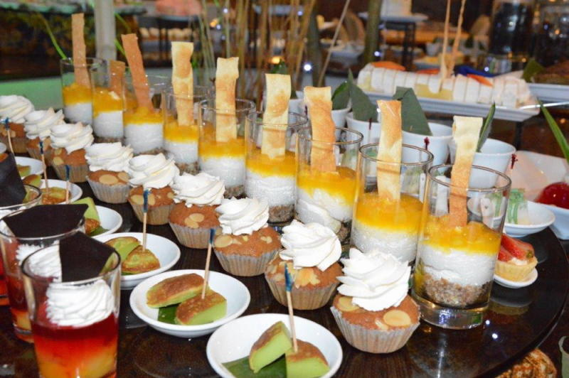 Some of the desserts and pastries available for diners to enjoy.