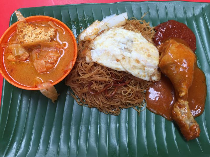 The Economic Mee costs RM2.20 without the chicken, and is RM4.50 with the chicken.