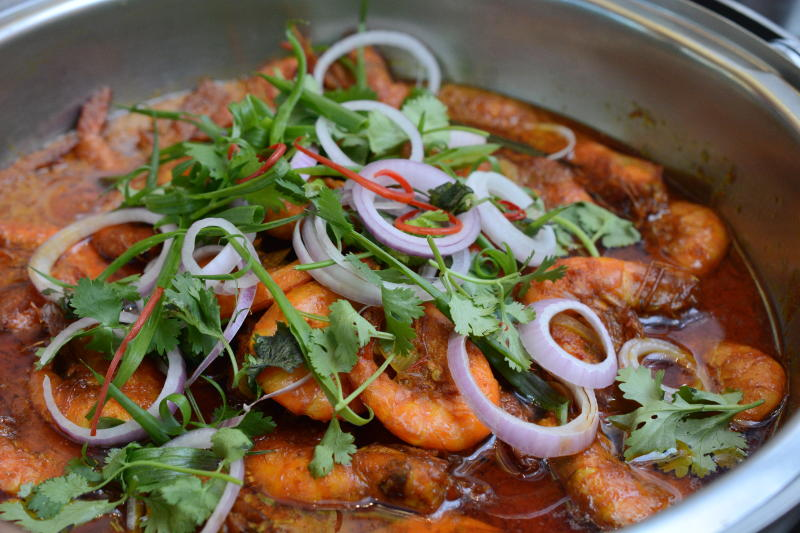 Udang Masak Kapitan is perfect for seafood lovers who like things spicy.