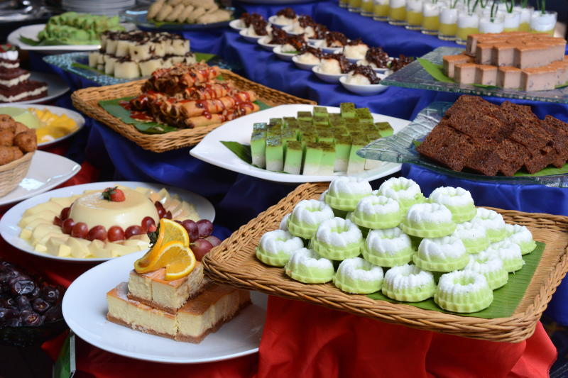 Vast selections of traditional Malay Kuih and western sweets, to cap off the meal.