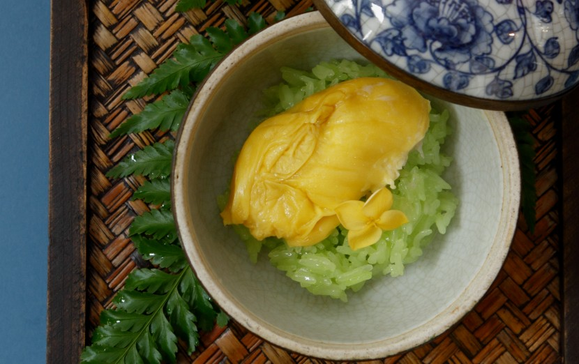 Glutinous rice with durian in light coconut sauce