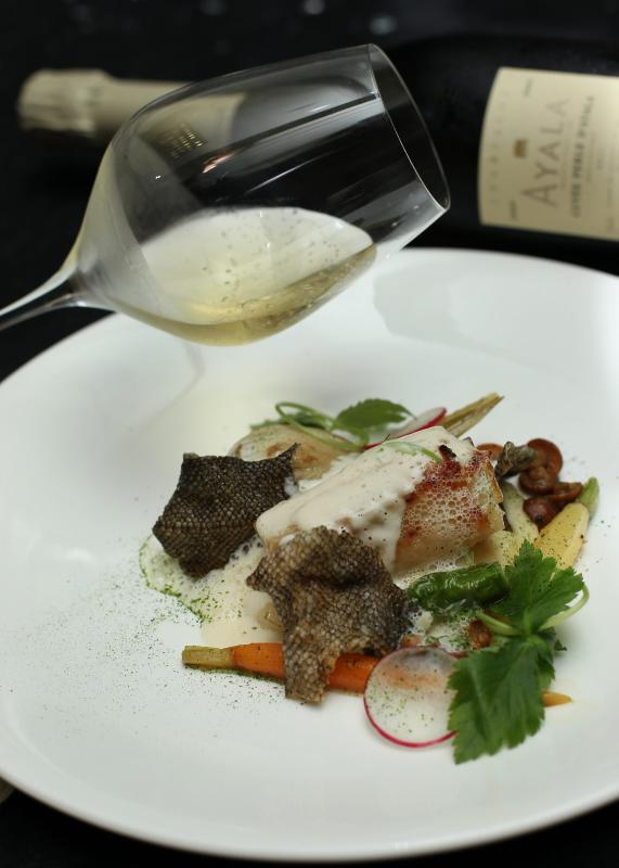 The Charcoal Grilled Miso Cod was served with the bright and shimmering Ayala Perle d'Ayal.