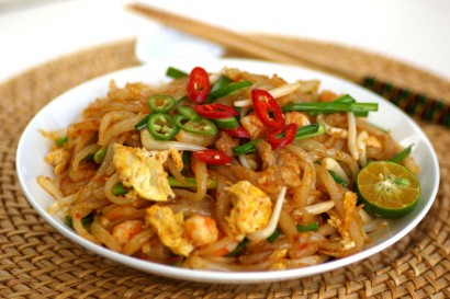 Fried Loh Shi Fun (Fried Mouse-tail Noodles).