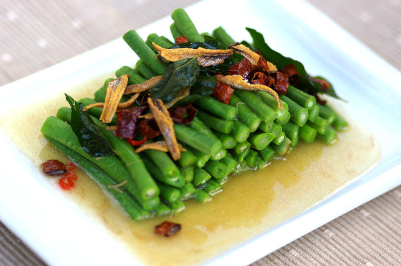 LONG BEANS WITH SPICY ABALONE SAUCE