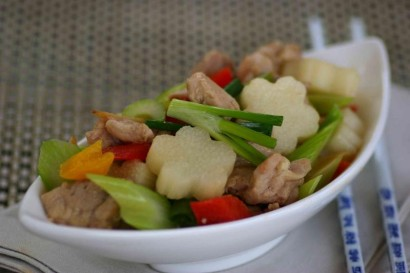 Stir-fried Huai Shan with Chicken and Mixed Vegetables.