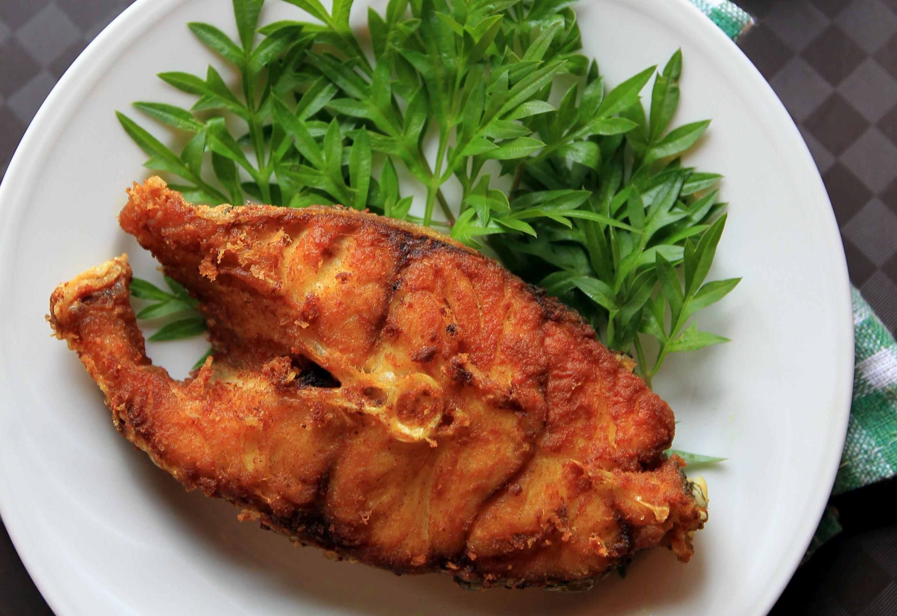 Ikan Goreng Kunyit (Turmeric Fried Fish) - Kuali