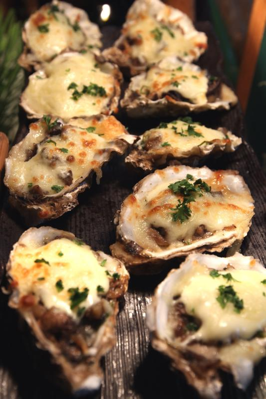 Cheese lovers will fancy the decadent Gratinated Oyster Rockfeller.