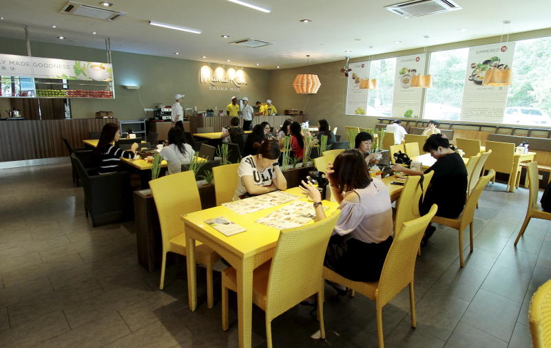 Despite being situated away from the main road, the restaurant was packed during lunch time.