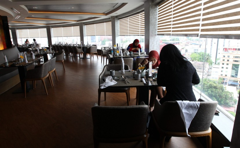 Diners can enjoy the view of the KL skyline while dining on the dishes from the buffet.