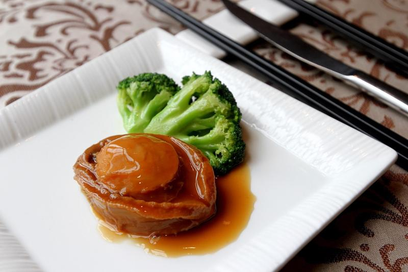 The Australian Abalone with brown sauce is served at RM88++ per piece.