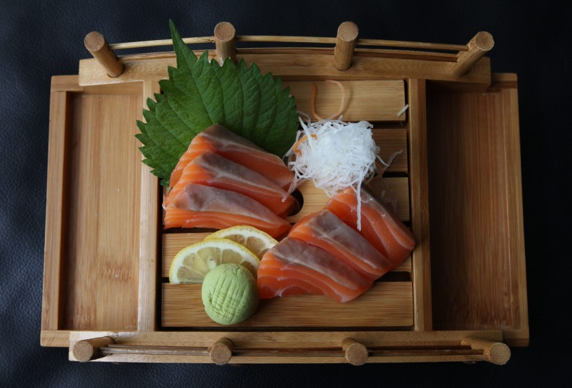 The salmon sashimi was fresh and came in thick slices.