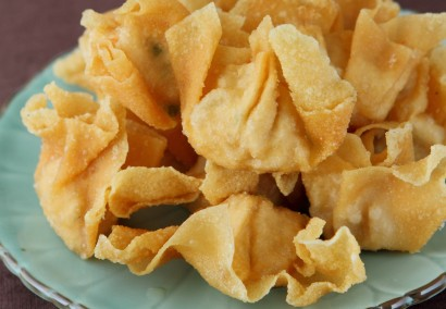 Crispy Wantan with Orange Dipping Sauce